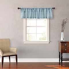 Ainsley Valance