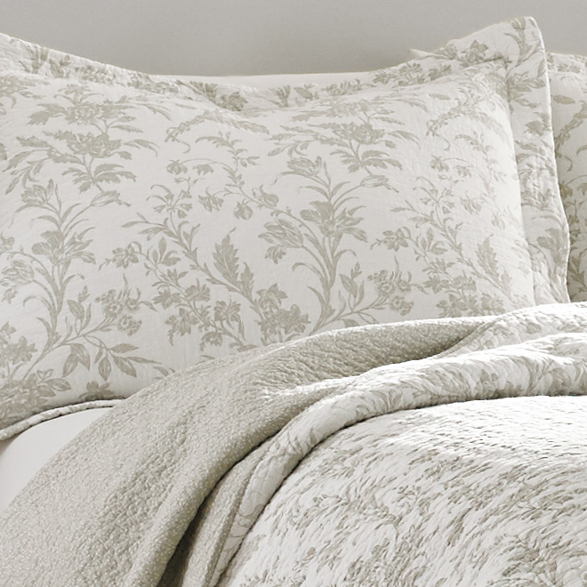 Laura Ashley Amberley Biscuit Quilt Set From Beddingstyle Com