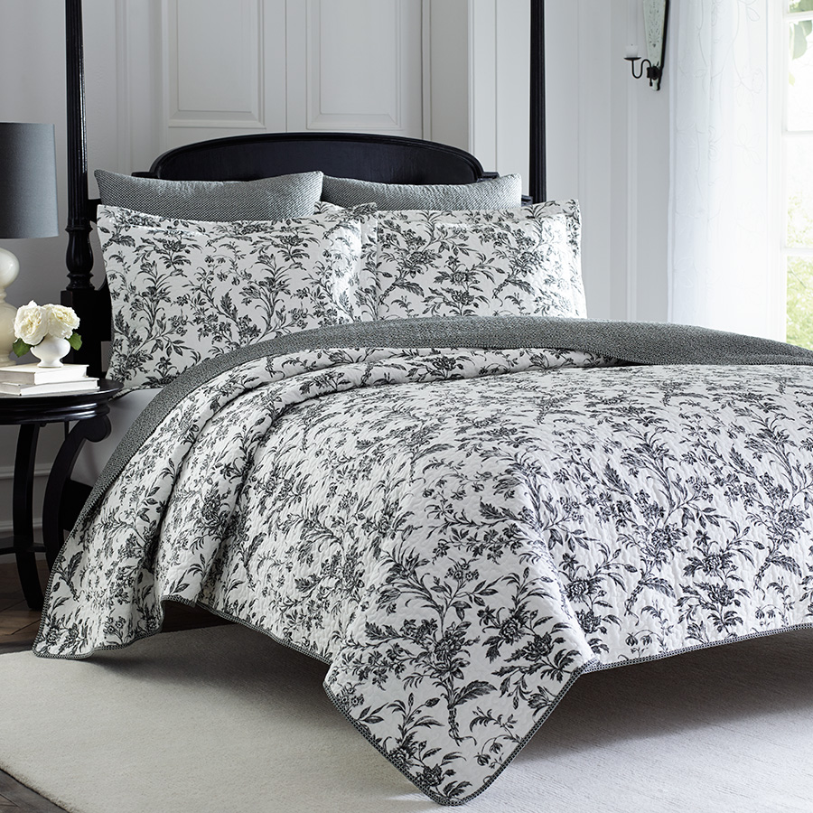 Laura Ashley Amberley Quilt Set From Beddingstyle Com