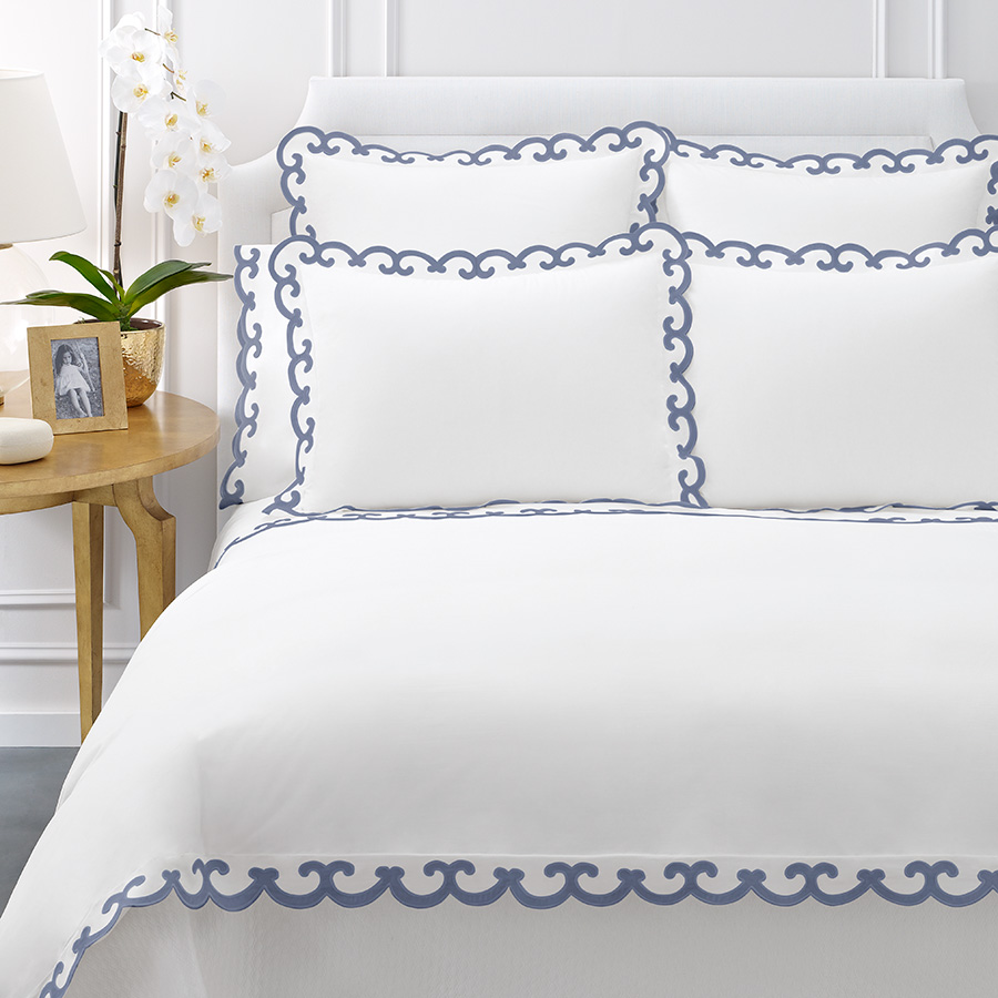Queen Flat Sheet AERIN Scallop Blue
