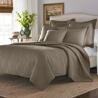 Stone Cottage Arbor Taupe Quilt Set