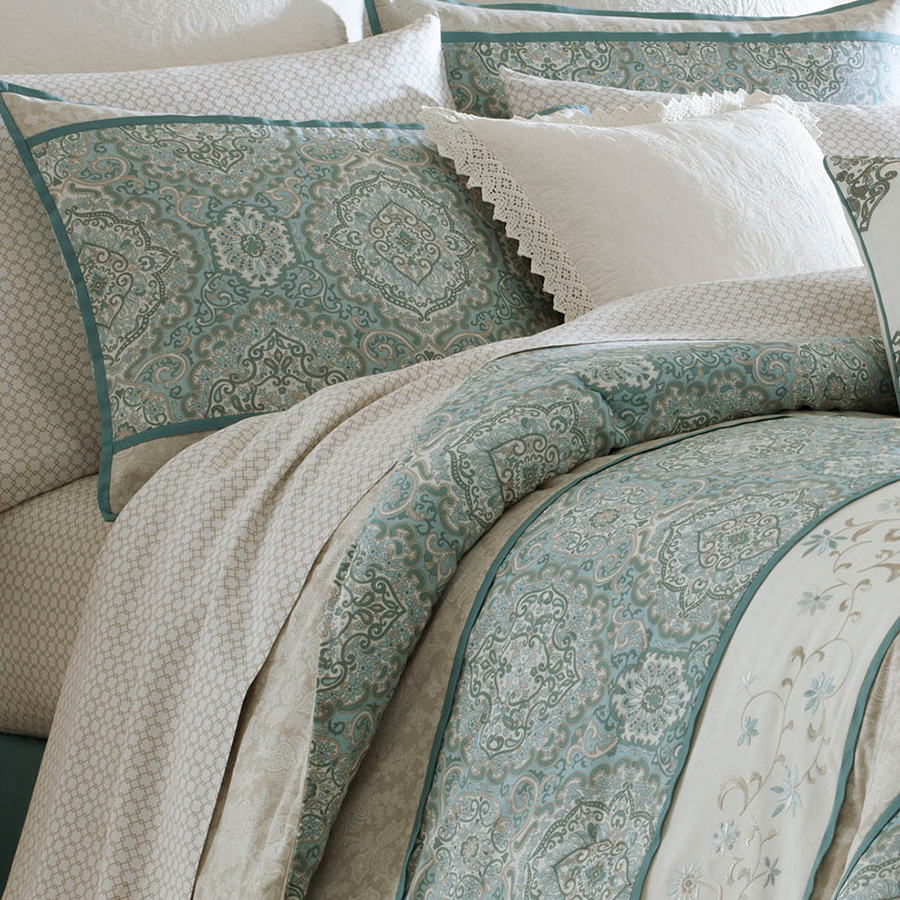 Laura Ashley Ardleigh Comforter Set From Beddingstyle Com