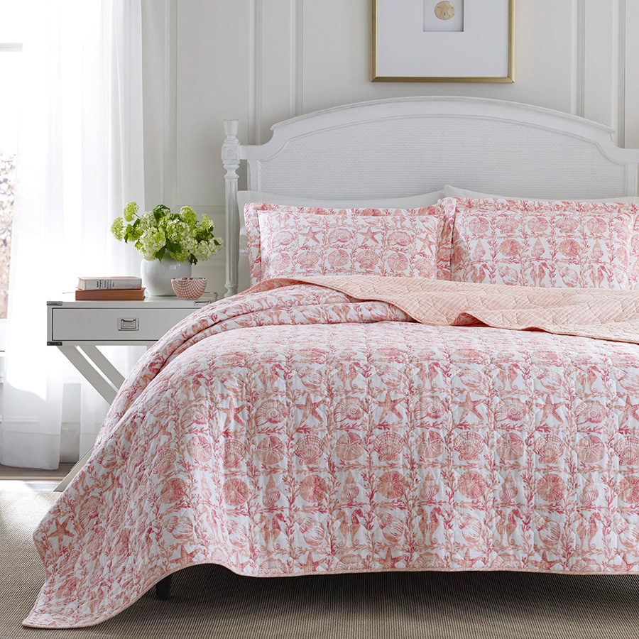 laura ashley bettina beach rose quilt set from. Black Bedroom Furniture Sets. Home Design Ideas