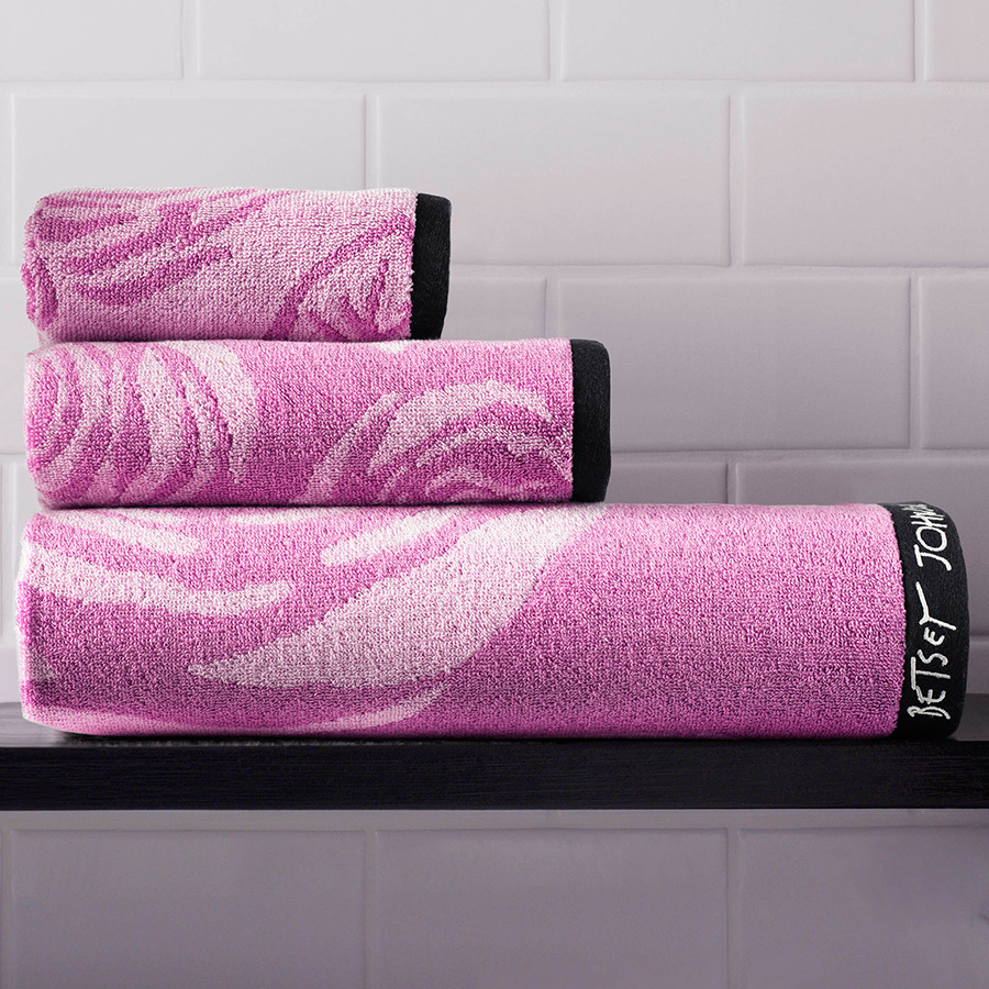 Towel Set Betsey Johnson Bold Rose Violet