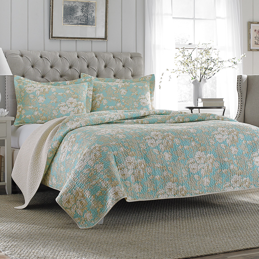 Laura ashley brompton quilt set from for Bedroom quilt ideas