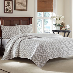Catalina Trellis Gray Quilt Set