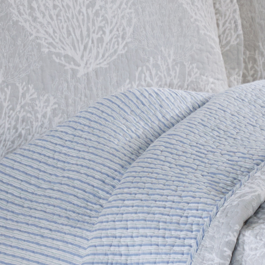 Laura Ashley Coral Coast Gray Quilt Set From Beddingstyle Com