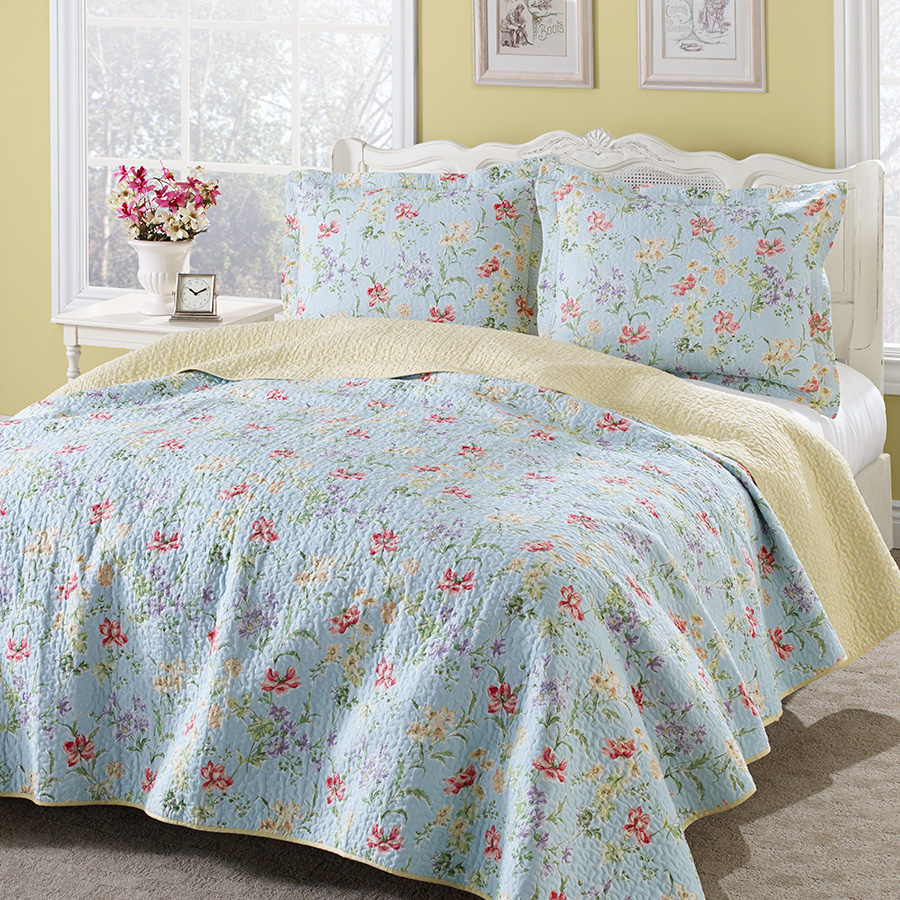 Laura ashley crofton quilt set from for Bedroom quilt ideas