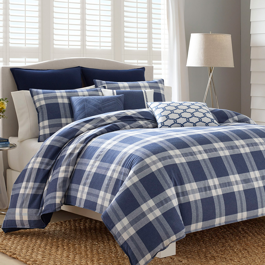Click here for King Comforter Set (Natuica Cunningham) prices