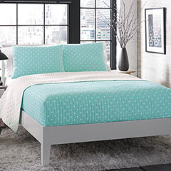 Do the Dot Aqua Quilt Set