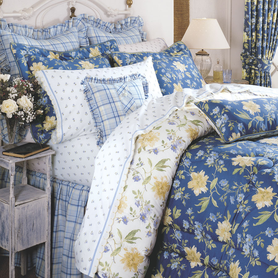 Queen Comforter Set Laura Ashley Emilie