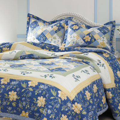 Laura Ashley Emilie Quilt