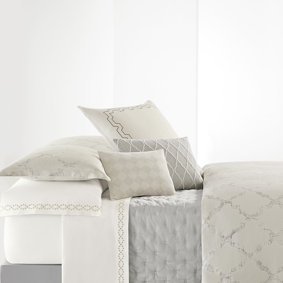 King Pillowcases Pair Vera Wang Fretwork