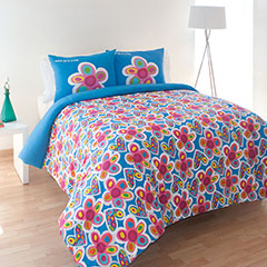 Agatha Ruiz De La Prada Hearts and Flowers Comforter Set