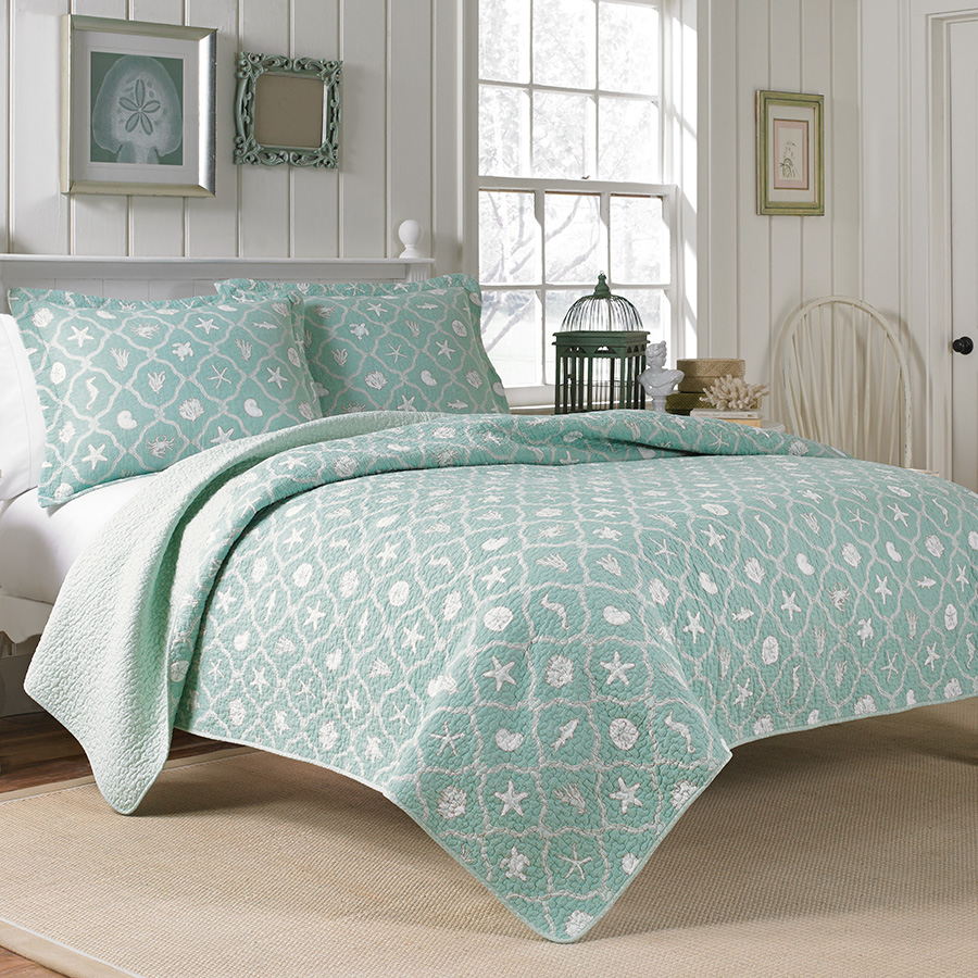 Laura Ashley Hyannis Quilt Set From Beddingstyle.com
