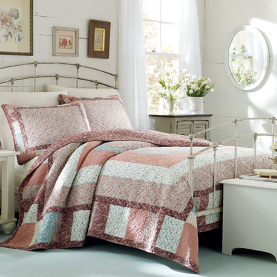 Laura Ashley Kennington Quilt