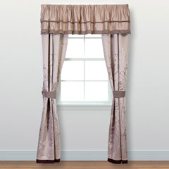 Lark Window Treatment