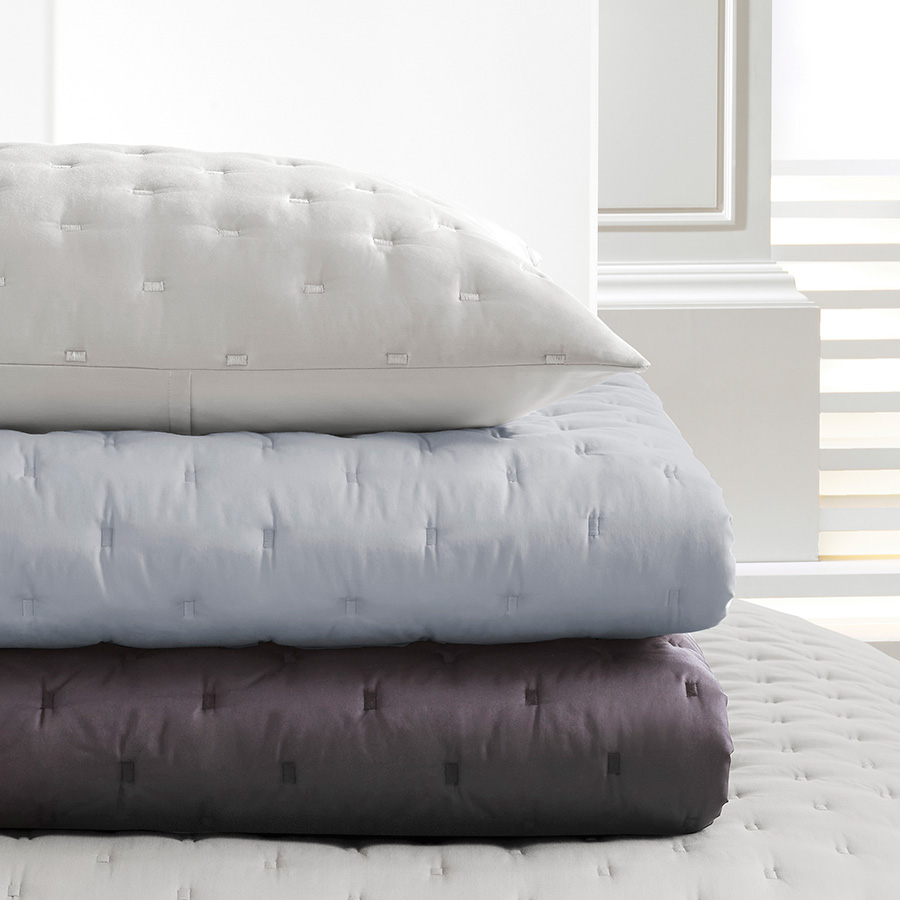 Vera Wang Luster Periwinkle Grey Quilt From Beddingstyle Com
