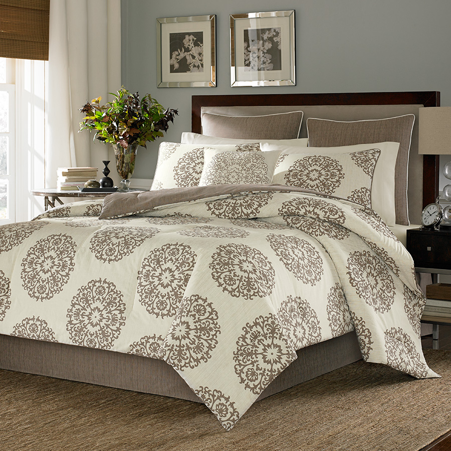 Queen Comforter Set Stone Cottage Medallion