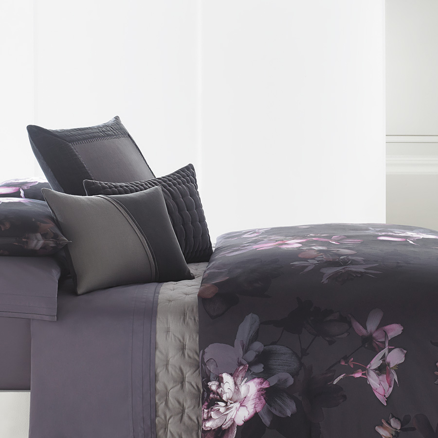 Vera Wang Night Blooms Duvet Cover From Beddingstyle Com