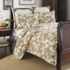 Plantation Floral Coconut Quilt Set