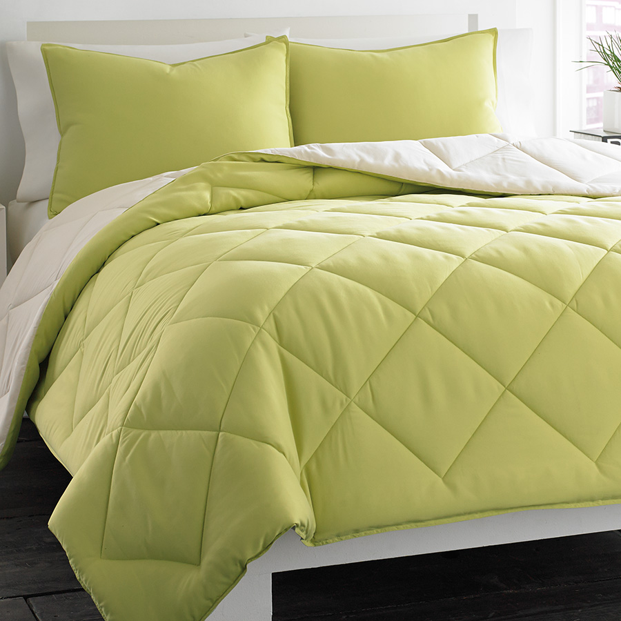 City Scene Reversible Green Comforter Set From