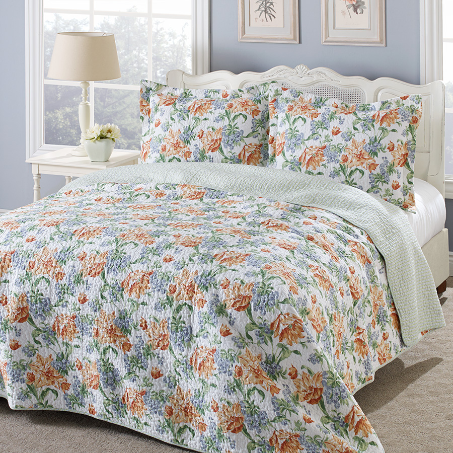 Laura Ashley Sherborne Apricot Quilt Set From