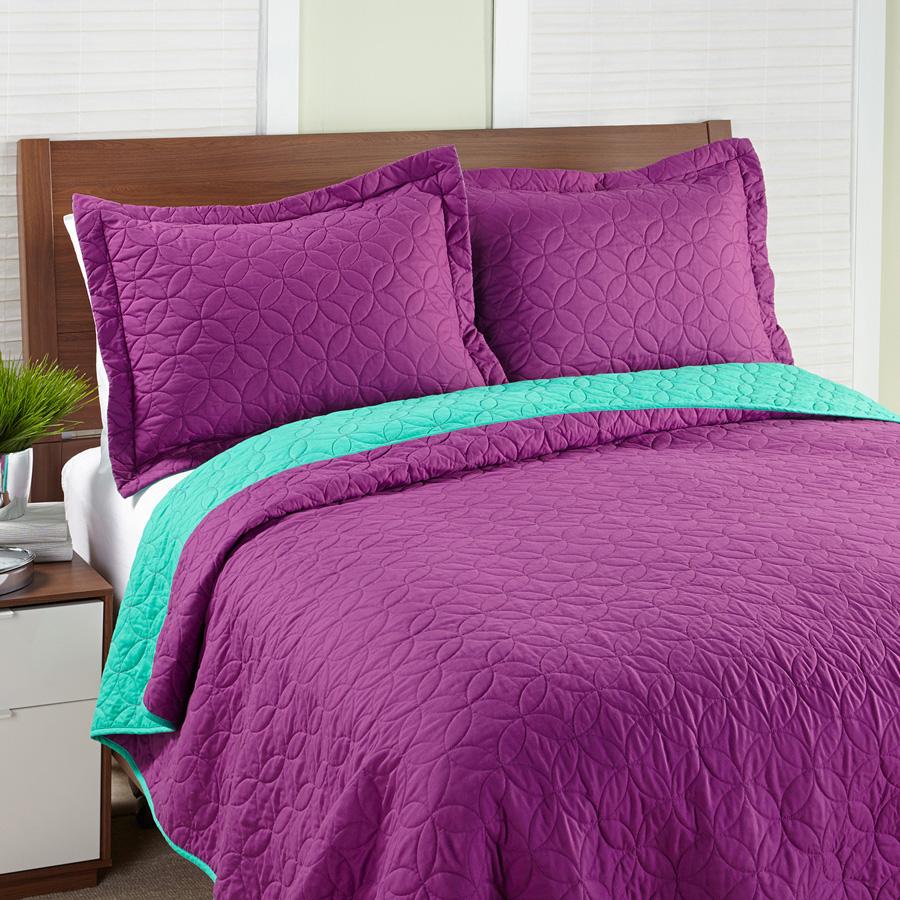 Magenta Bedroom: Steve Madden Solid Magenta Quilt Set From Beddingstyle.com