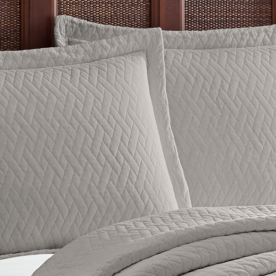 Tommy Bahama Solid Pelican Gray Bay Quilt Set From