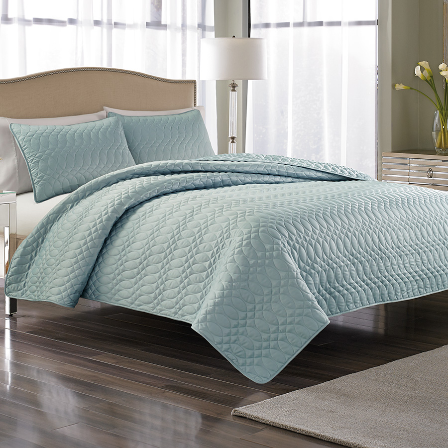 Nicole Miller Splendid Cloud Bedspread From Beddingstyle Com