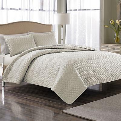 Nicole Miller Splendid Cream Bedspread Set From