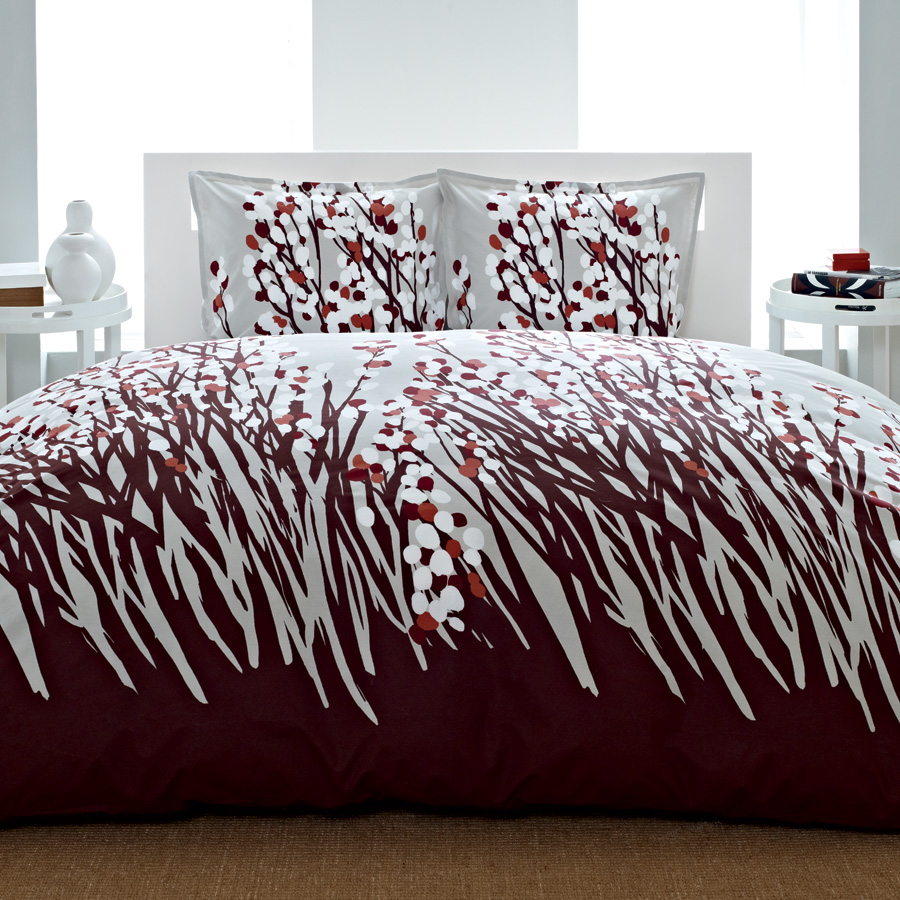 The spring arbor set features a striking sea of rich brown stems