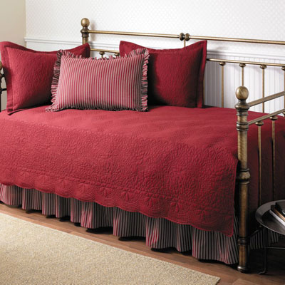 Stone Cottage Trellis Daybed Scarlet