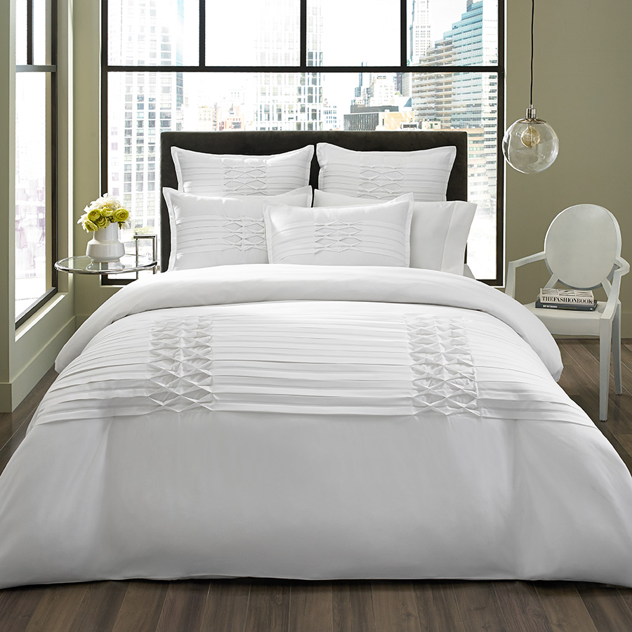 Full Queen Comforter Set City Scene Triple Diamond White
