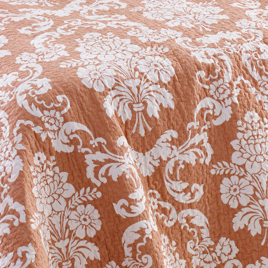 Laura Ashley Venetia Coral Quilt Set From Beddingstyle Com