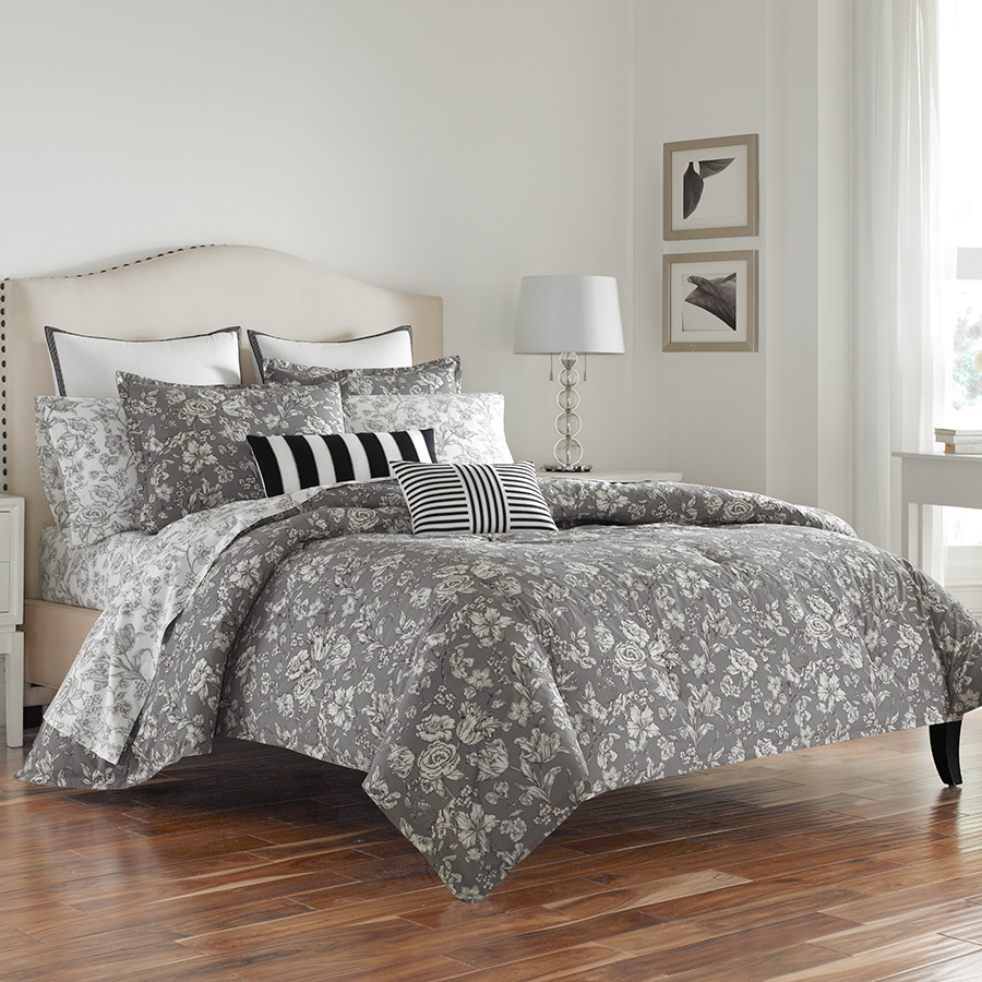 Decorative Pillow Wedgwood Vibrance Vingate Grey