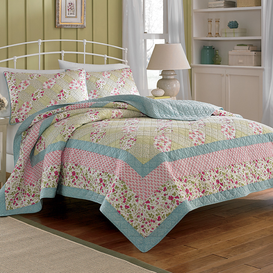 Laura Ashley Whitley Quilt From